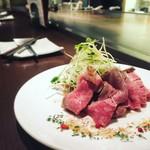 いっかくじゅう - 2016.06 牛肉のたたきと細切り野菜のサラダ