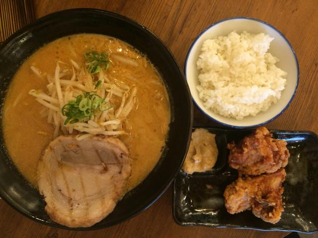 マルキン本舗 渋谷店 - 百年味噌ラーメン810円