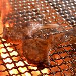 炭火焼きバル フォンターナ - その他写真:炭火でジューシーに焼き上げます