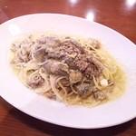 オステリア ドロミーティ - 牛挽き肉と揚げナスのペペロンチーノ¥1000
