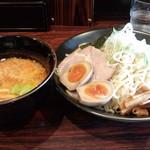 北海道ラーメンひむろ  - 辛みそつけ麺(大盛)(880円)