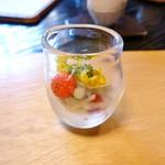 うつわ料理 さ乃 - 春野菜と海の幸のサラダ