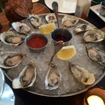 52355746 - H28.06.15 West Coast Oysters