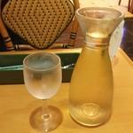 サイゼリヤ - フレッシュワイン デカンタ 399円♪