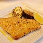サポセントゥ ディ アキ - メインコースのスズキの香草・パン粉焼き