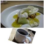 TTOAHISU - ◆デザートは「メロン」「ジャージー牛乳のアイス」「梅のジュレ」など。       お食事の最後に頂くには、冷たい食感とメロンの甘さが丁度いい。       ◆珈琲も美味しいこと。