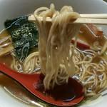 支那そば なかじま - 全粒粉使用の低加水目な若干縮れ細麺