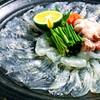 魚浜 - 料理写真:白身魚は薄造り。 ポン酢でも醤油でも。おすすめは冷酒で!