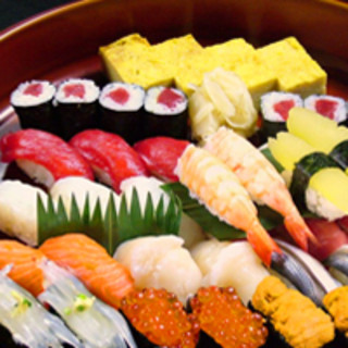日本の宴会にはやっぱり寿司!お得な宴会プランをご用意♪
