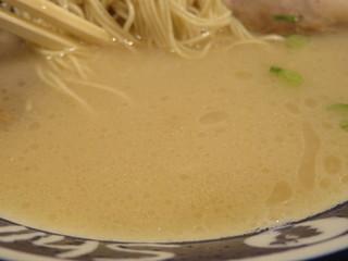 博多らーめん Shin-Shin 博多デイトス店 - スープ