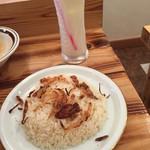 オーガニック・シクダル・マア - ビリヤニライスは追加で100円