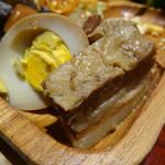 モクモク - 豚角煮、煮玉子
