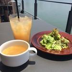 52377144 - グリーンサラダ・スープ・グレープフルーツジュース