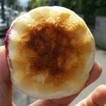 パン工房 クオーレ - 北海道クリームチーズブルベリー 裏から