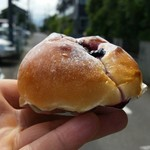 パン工房 クオーレ - 北海道クリームチーズブルベリー 横から