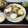 厨房シュウ - 料理写真:ハンバーグ&チキン南蛮&えびフライ