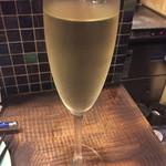 52380399 - スパークリングワイン