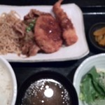 勝手口じゅん - フライと豚の生姜焼き