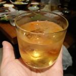 鉄人の店 - 梅酒ロック