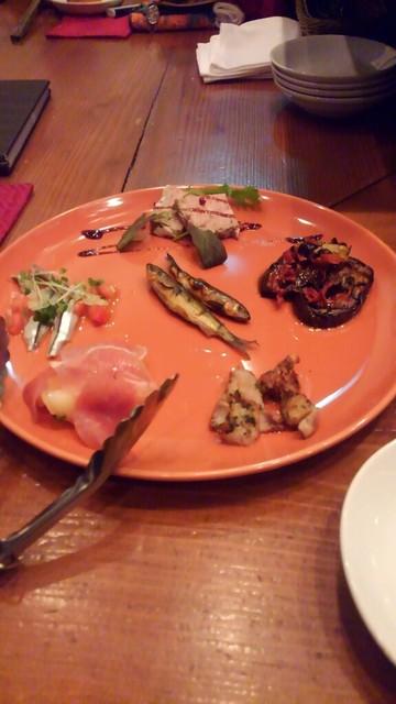 街角グラス - おまかせ前菜の盛り合わせ(税込1400円)は全て美味しい。
