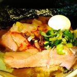 すごい煮干ラーメン凪 新宿ゴールデン街店本館 - 特製すごい煮干ラーメン(1,000円)