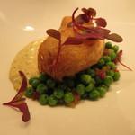 52393720 - 真鱈のフリット、グリンピース 半熟玉子のグリビッシュ・ソース3