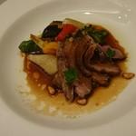 尾野 - フランス産の鴨と地元野菜のグリル、バルサミコなんやらソース