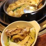 相撲茶屋ちゃんこ 龍ケ浜 - ちゃんこ 食べ進めます