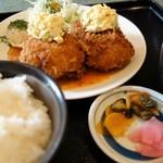 洋食亭 寅安 - 特製かにクリームコロッケ定食【Sサイズ】