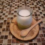 ラ・リサータ - アミューズ えんどう豆とモッツアレラチーズ