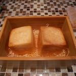 ラ・リサータ - 特注のパン
