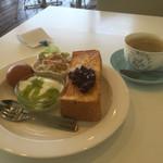 マッシュルームカフェ - ブレンド400円と小倉トーストセット