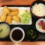 まぐろ食堂 七兵衛丸 - 地魚フライ定食(ヒラメ)