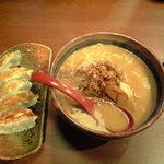 52398576 - ラーメン(北海道・味噌)                       餃子