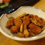 フィッシュジャム - 自家製燻製ナッツ