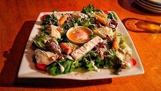 アトリエ・ド・フロマージュ ピッツエリア・カフェ店 - 軽井沢アトリエ風 スペシャルチーズサラダ
