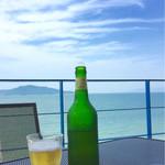 ソラカラ アクア ミネラーレ - テラスでビール