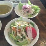 Miraflores - 【フレッシュシーフードマリネ】と【野菜サラダ】