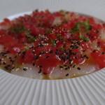 甘海老のカルパッチョ。トマト、ライムの香り