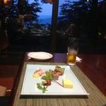 ニジノカオリ - 窓際に座り最高の夜景も楽しみました。