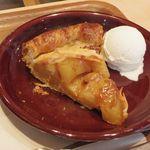 52414156 - 青森産りんごのアップルパイ with アイスクリーム