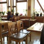 ファミリーレストラン 淳JUN - テーブル席