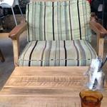 52415138 - お洒落で座り心地抜群の椅子。