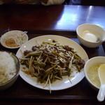 52420112 - にんにくの芽とレバーの炒め物