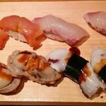 すし玉 - すし玉@ルミネ横浜店 煮ほたて、げそ、赤貝、しまあじ 2015年10月