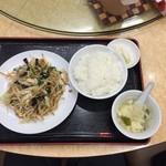 金春本館2号店 - 【豚肉野菜炒…500円】2016/6
