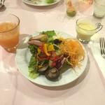 オリーブ・キッチン - 前菜、オレンジジュース、コーンスープ