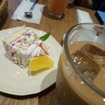 アフタヌーンティー・ティールーム - ケーキ&アイスコーヒー(2016.4月)