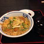そば辰 - カツ丼 1570円