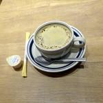 ATHREE PARLOR - ホットドッグモーニングセット713円のホットコーヒー